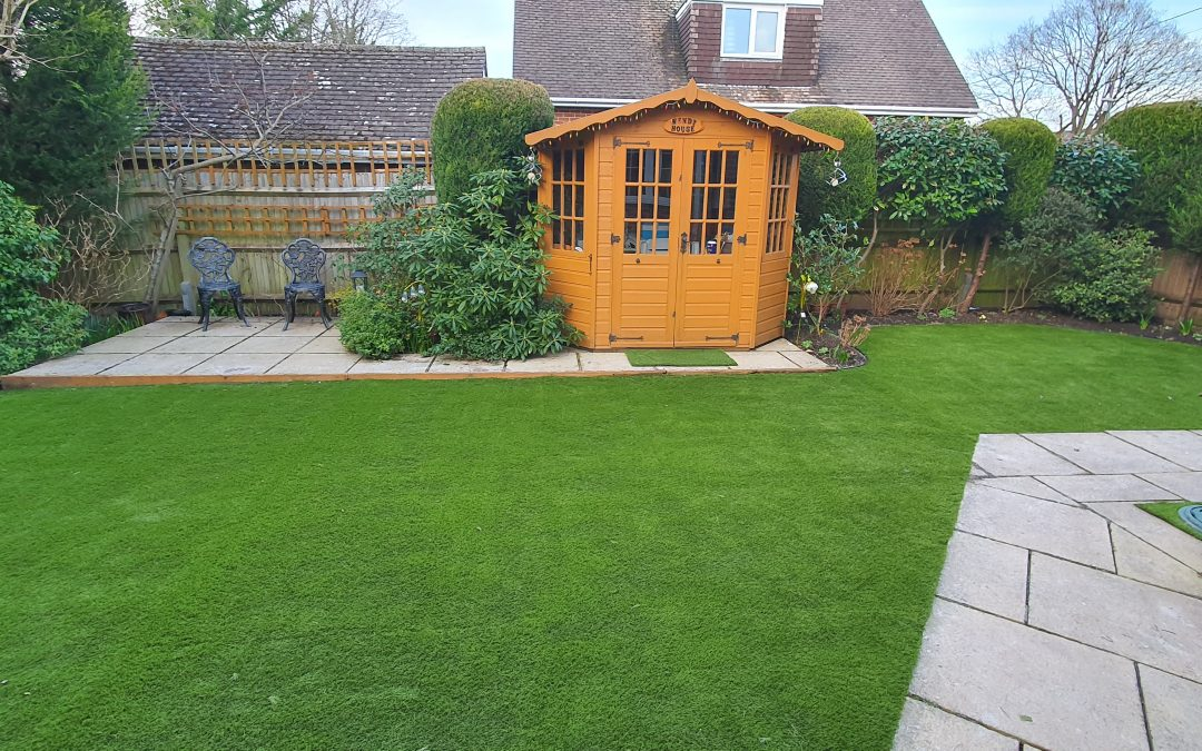 5 Reasons to Invest in Artificial Grass